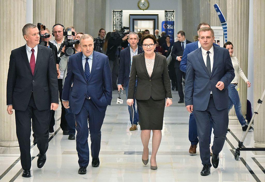 propolski.pl: Grzegorz Schetyna podzielił polityków opozycji