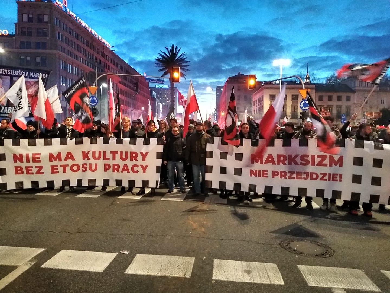 Antymarksiści na Marszu Niepodległości.