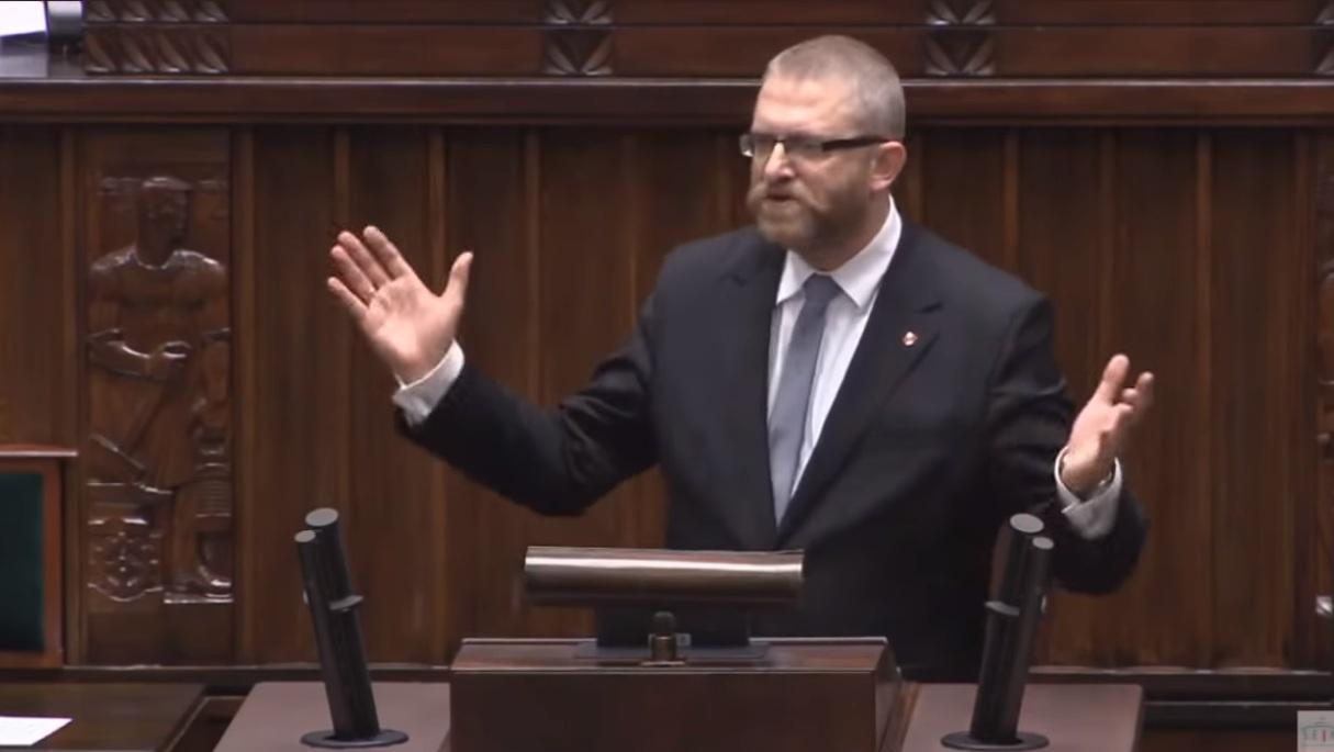 propolski.pl: Grzegorz Braun bez maseczki w Sejmie