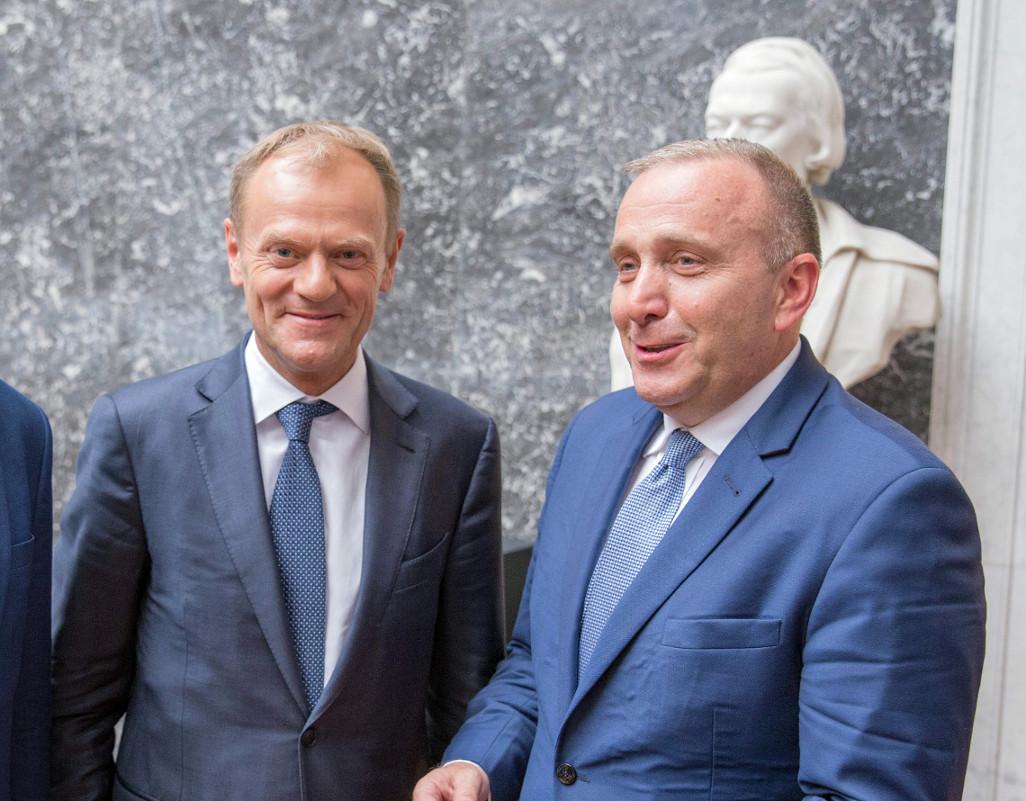 propolski.pl: Nawet Tusk nie pomoże już Platformie. Kolejny dramatyczny sondaż