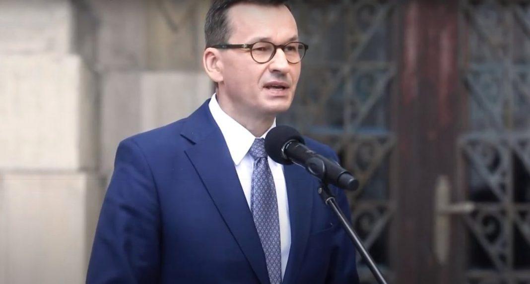 propolski.pl: Morawiecki zmartwiony, że Polacy nie chcą się szczepić