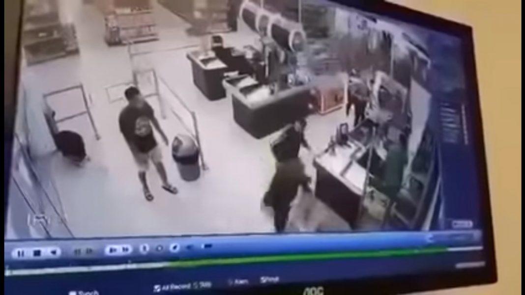Klient zaatakował ekspedientkę