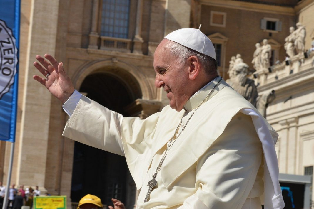 propolski.pl: Papież Franciszek o roli homoseksualistów w Kościele