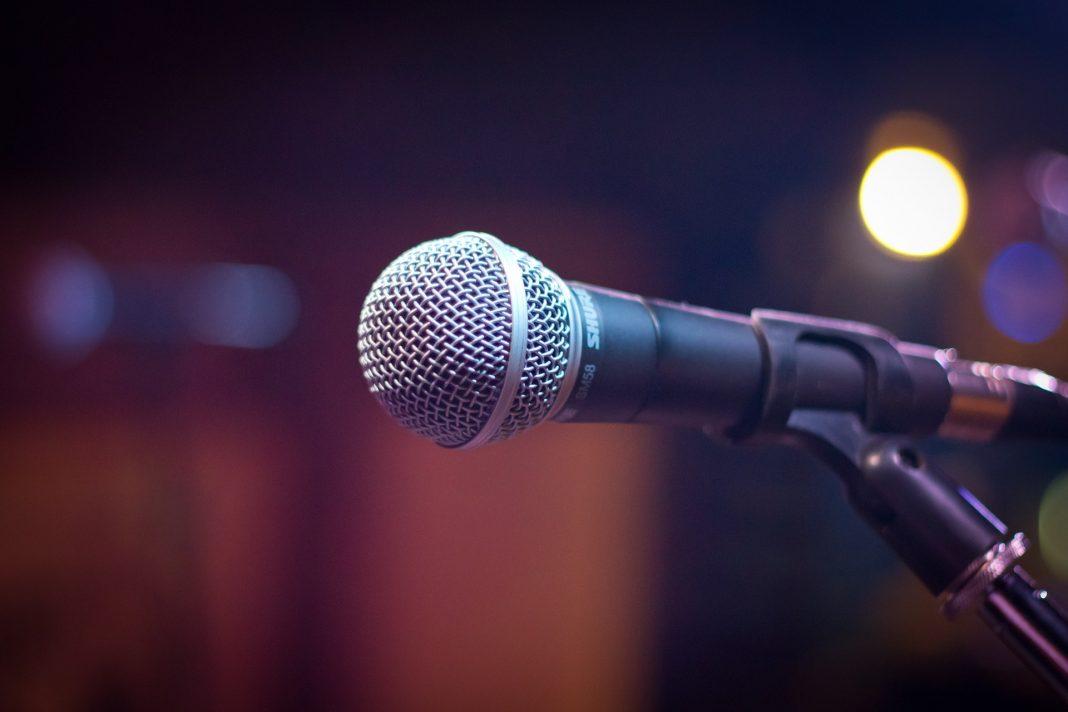 propolski.pl: Minister nie wiedziała, że mikrofon jest włączony
