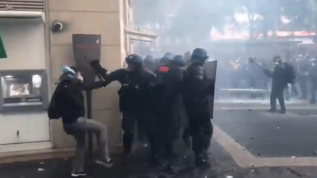 propolski.pl: Protest w Danii przeciwko obostrzeniom i lockdownowi