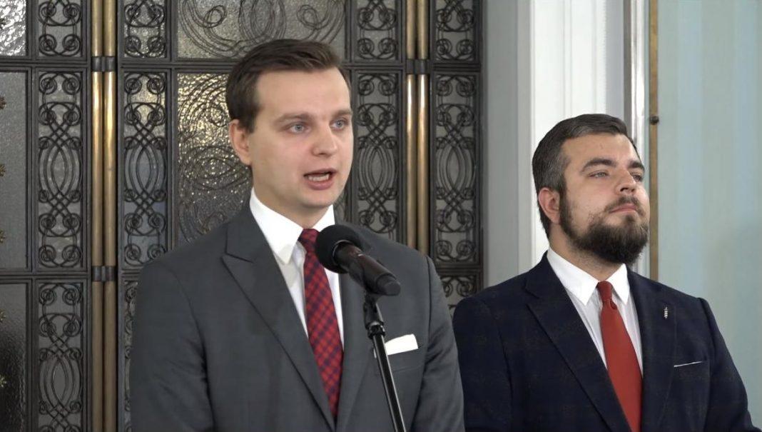 propolski.pl: Konfederacja domaga się dymisji Piotra Glińskiego