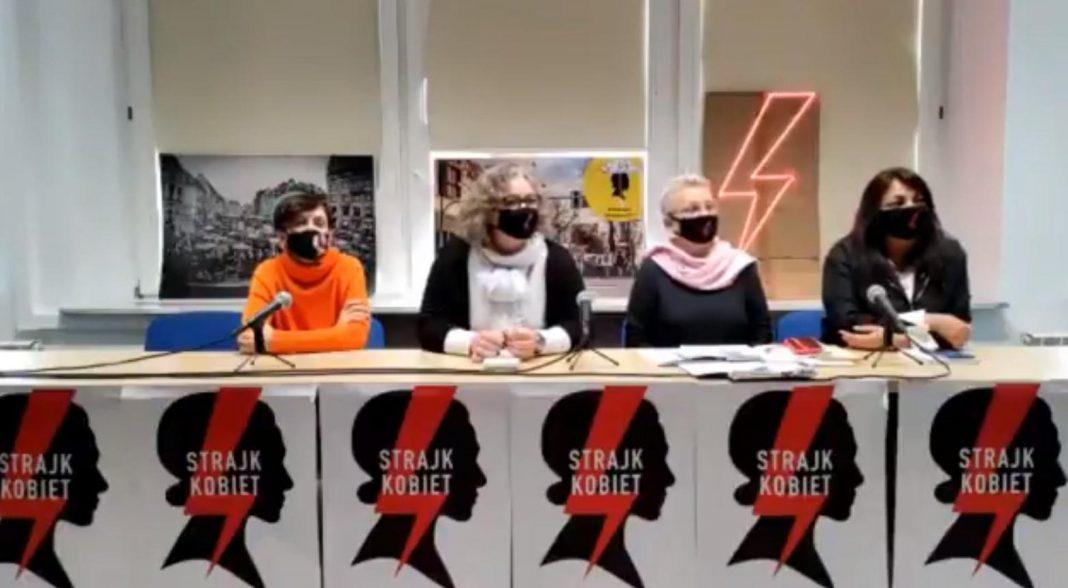 propolski.pl: Strajk Kobiet krytykuje podręczniki