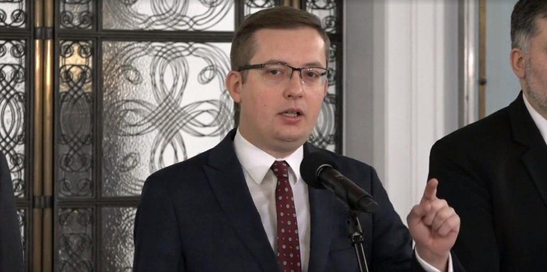 propolski.pl: Konfederacja domaga się dymisji prezesa PiS Kaczyńskiego