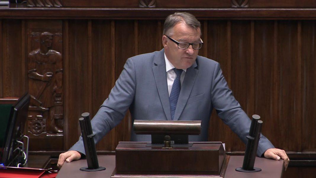 propolski.pl: Poseł dosadnie o szczepieniach. Zapowiedział, co zrobi: