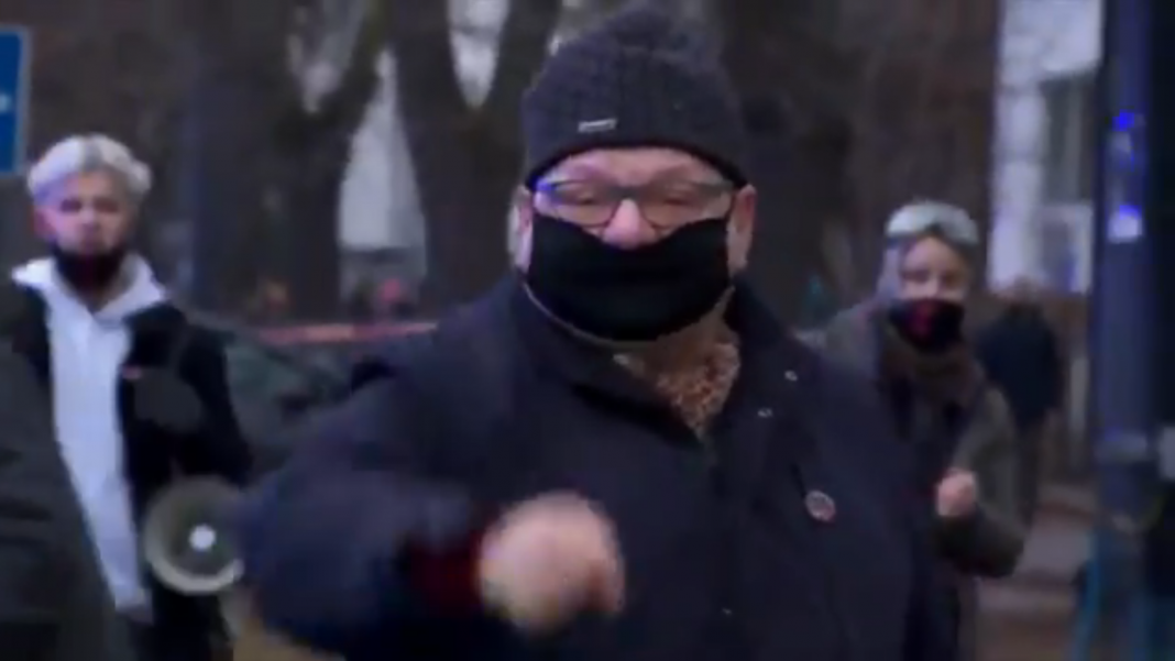 propolski.pl: Wściekły Kalisz zwyzywał dziennikarza