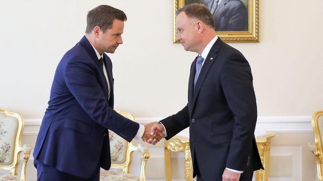propolski.pl: Sondaż: Kto zasługuje na miano polityka roku 2020? Polacy zaskoczyli swoją krytyczną opinią