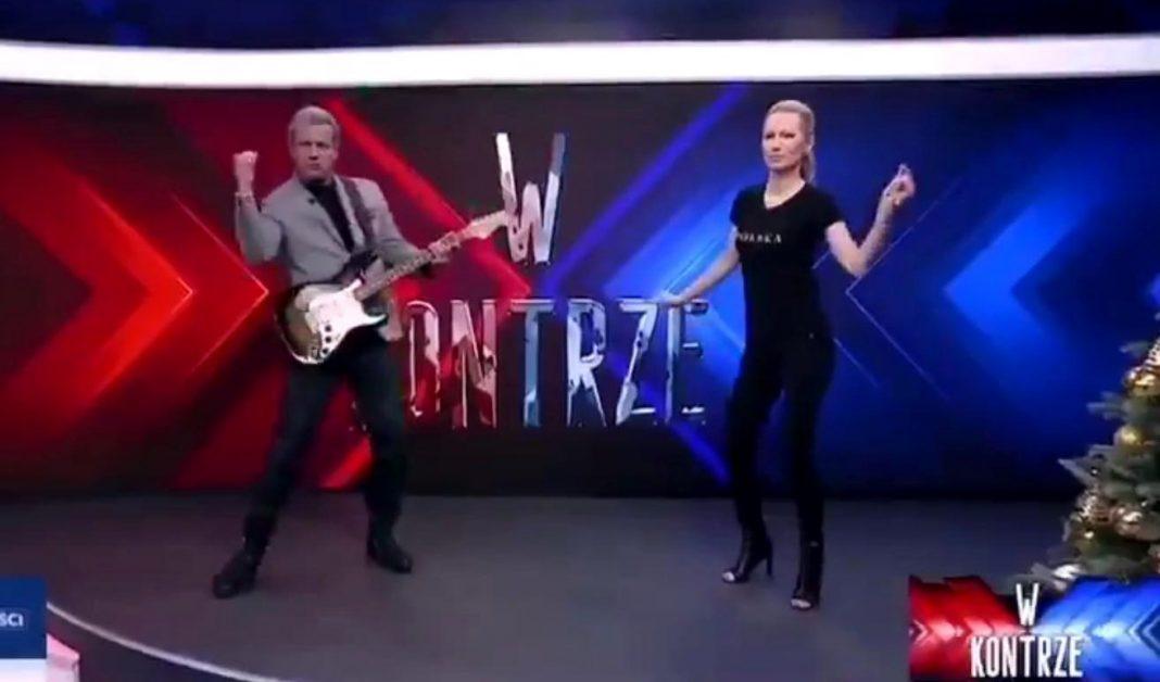 propolski.pl: Jakimowicz i Ogórek tańczą w TVP Info