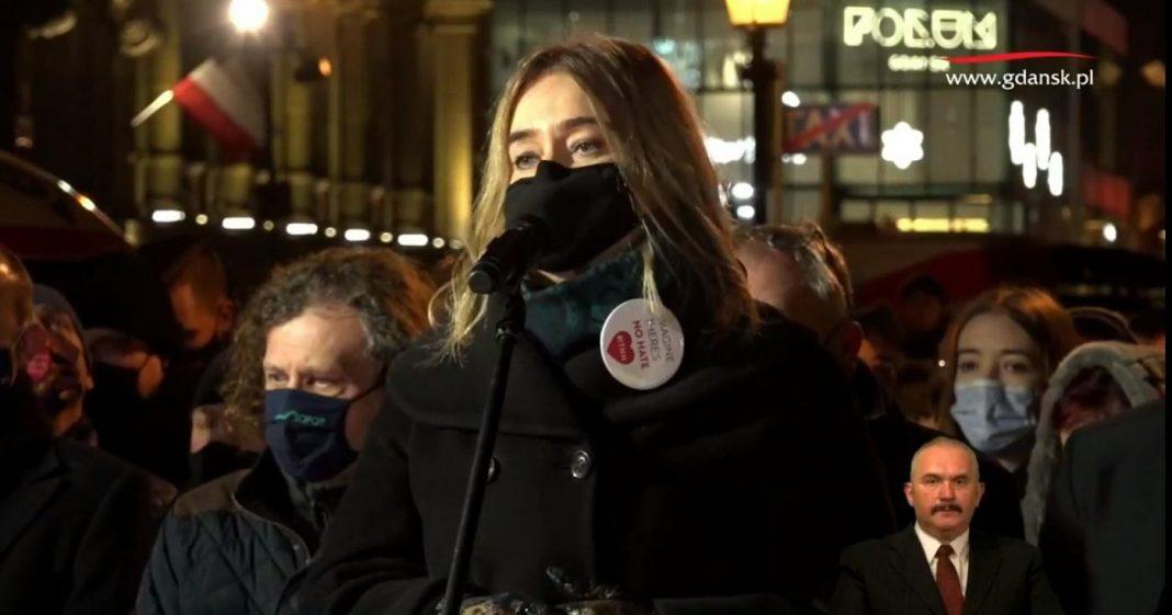 propolski.pl: Mocne słowa żony Pawła Adamowicza w 2 rocznicę zamachu. Cały Gdańsk zapłakał [WIDEO]
