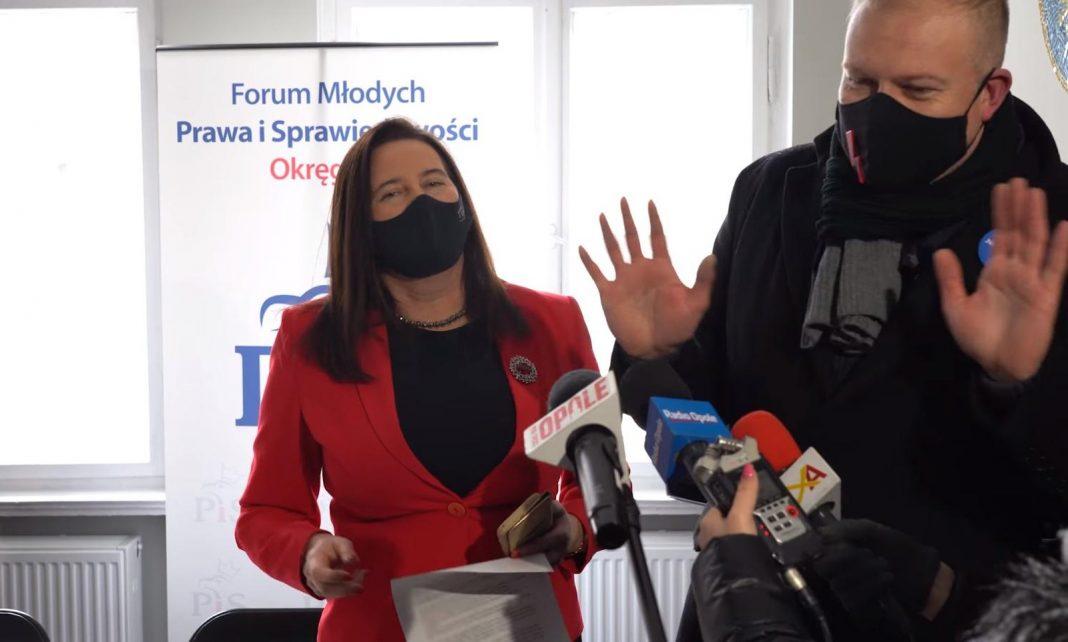 """propolski.pl: Poseł KO nieoczekiwanie wdarł się do biura PiS! """"Chciał zrobić show, wyszła błazenada"""" [WIDEO]"""