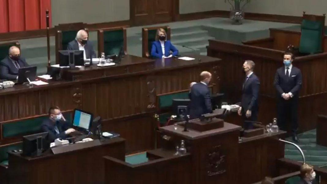 propolski.pl: Terlecki usadził natrętnego Nitrasa