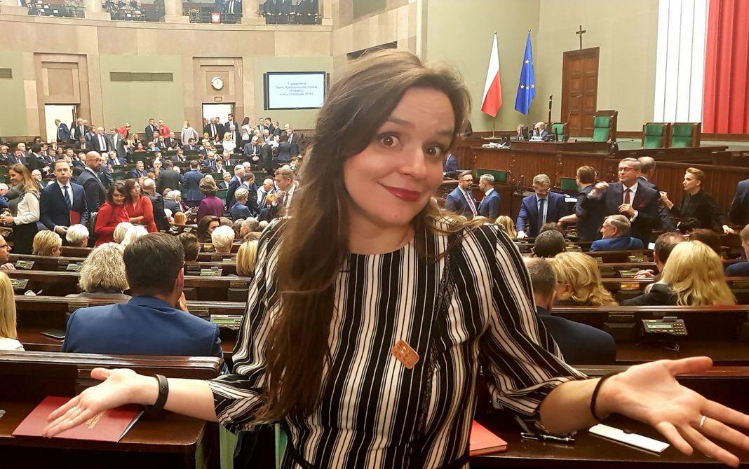 propolski.pl: Klaudia Jachira lubi robić TO w łóżku! Posłanka otwarcie się przyznała