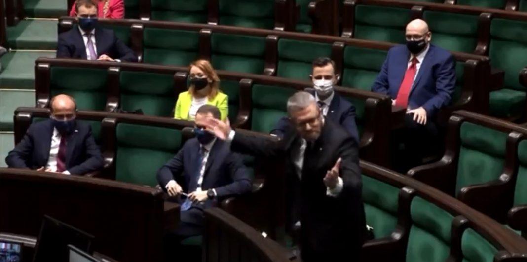 propolski.pl: [video] Awantura w Sejmie. Braun wykluczony z obrad i zmuszony do opuszczenia sali plenarnej