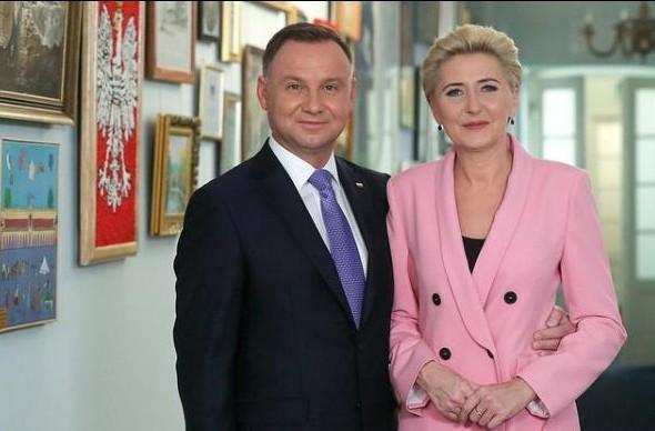 propolski.pl: Para prezydencka zaszczepi się już w poniedziałek. Która szczepionka zostanie podana Andrzejowi Dudzie?