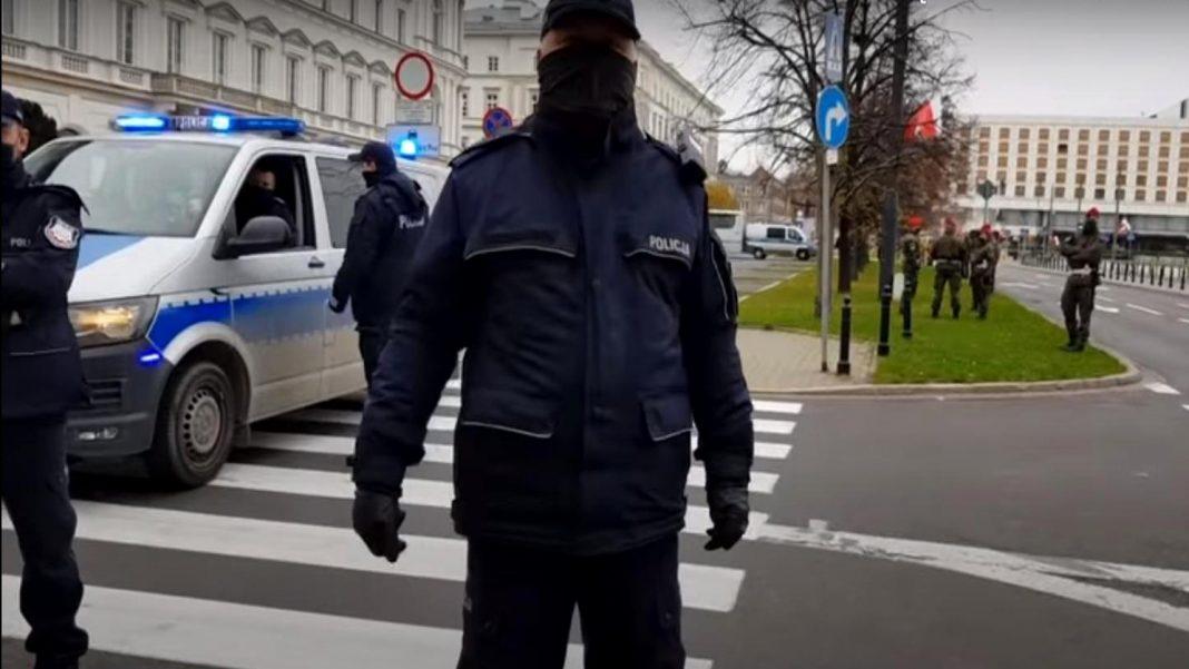 propolski.pl: Policja przy pomocy wojska kontroluje siłownie