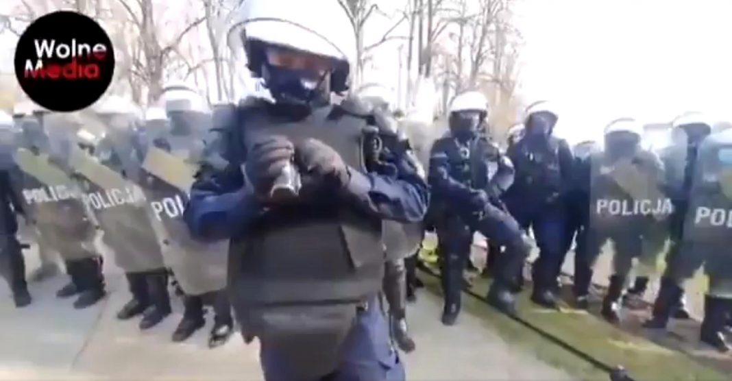 propolski.pl: Policjant nie potrafił obsłużyć kamery