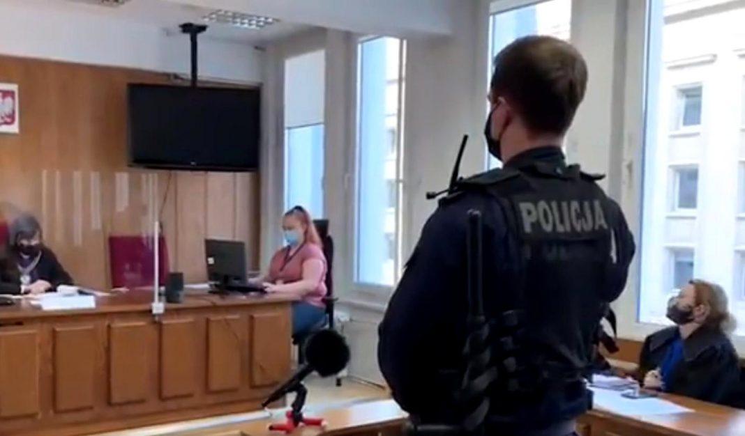 propolski.pl: Policjant opowiedział, w jaki sposób znieważyła go