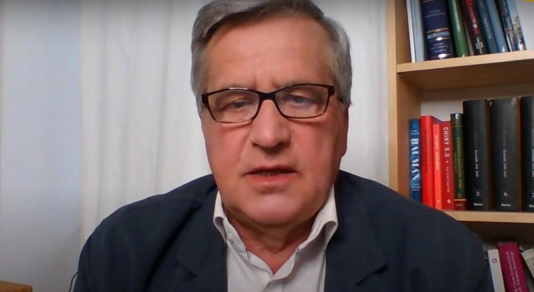 propolski.pl: Tusk nie ma szans z PiS-em? Dosadne słowa Komorowskiego
