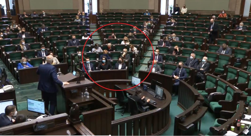 propolski.pl: [video] Janusz Korwin-Mikke nie zostawił suchej nitki na RPO Adamie Bodnarze. Skandaliczna reakcja opozycji na gorzkie słowa prawdy