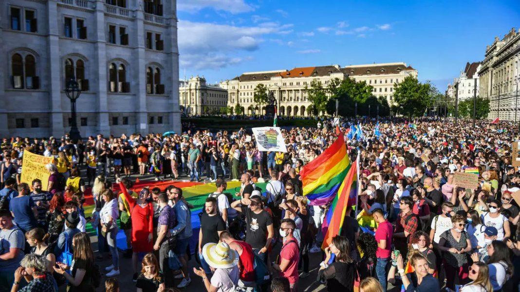"""propolski.pl: Węgry mówią """"nie"""" dla LGBT. Zakaz promocji ideologii w szkołach"""