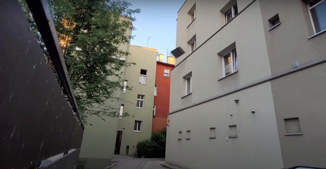 propolski.pl: Kibic stracił cierpliwość podczas meczu Polaków. Zobacz, co zrobił z telewizorem [WIDEO]