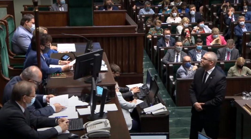 propolski.pl Grzegorz Braun wykluczony z obrad Sejmu