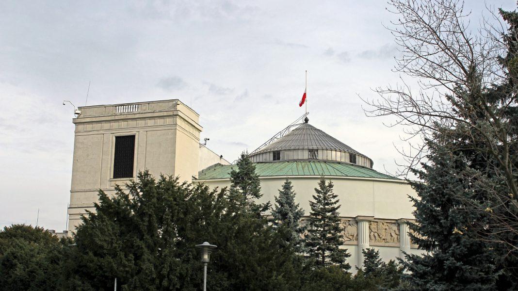propolski.pl: Uchwała sanacyjna. Kilkanaście osób związanych z PiS straciło pracę
