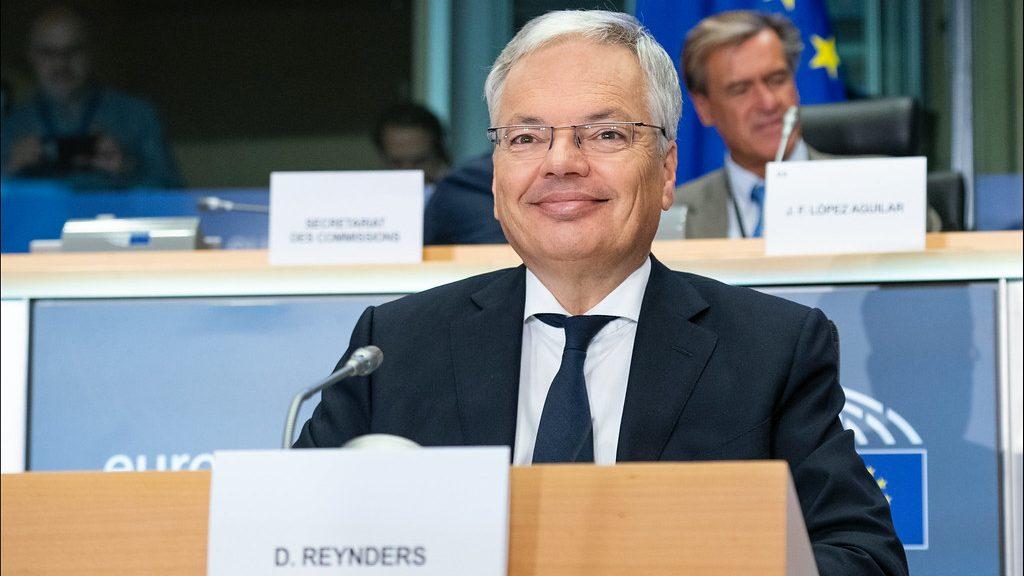 propolski.pl: Komisarz UE mówi wprost: Chcemy wywrzeć na polski rząd presję