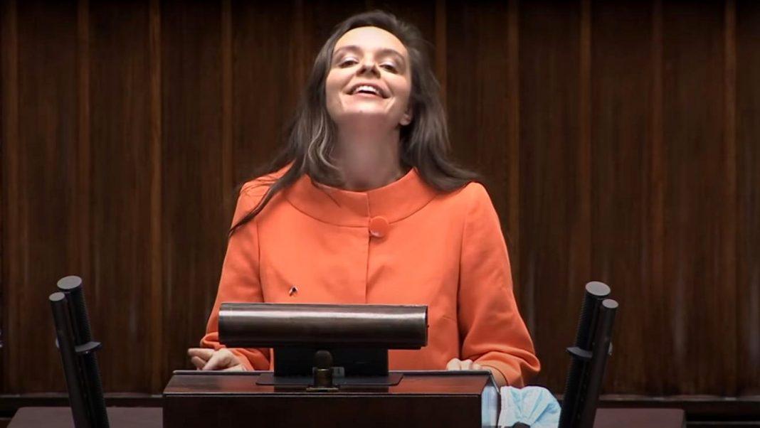 propolski.pl: Klaudia Jachira przedstawiła nową wersję Roty