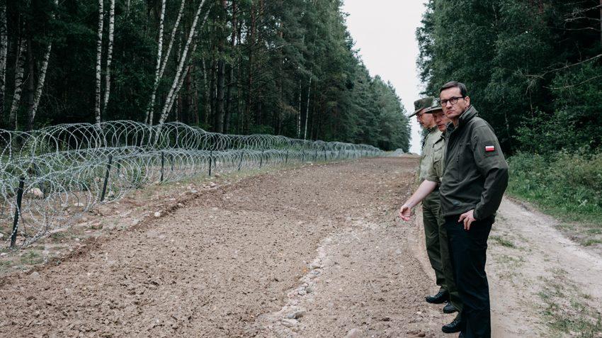 propolski.pl: Wyborcza kłamie na temat straży granicznej. Dziennikarz zmieszał gazetę z błotem